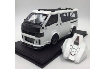 1/18 Dream Walkers HiAce D550 Custom Tuned Version Pearl White