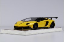1/18 D&G LB Performance Aventador 720