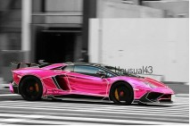 1/18 Davis & Giovanni Lamborghini LP750SV Roadster Tron Edition in Chrome Pink