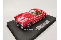 1/18 Dreampower Mercedes 300SL in Metallic Red